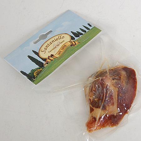 Kost z parmské šunky Anchetta (masová mušle)